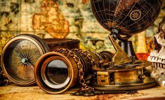 Бесплатные фото натюрморт,композиция,глобус,подзорная труба,компас,предметы,стол