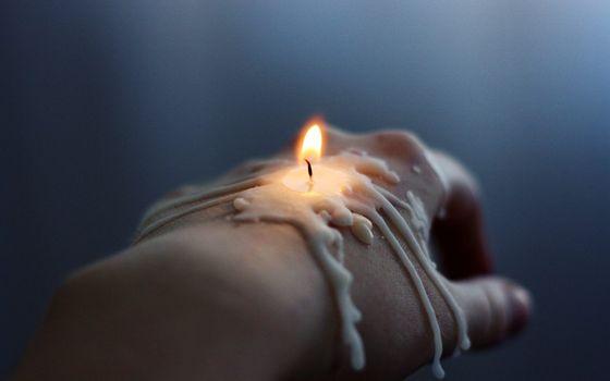 Фото бесплатно рука, свеча, воск
