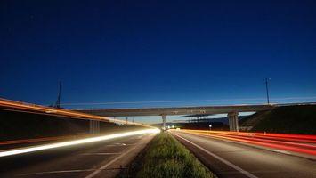 Бесплатные фото вечер,дорога,мост,машины,скорость,огни,разное