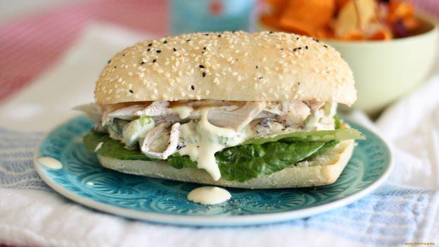 Фото бесплатно гамбургер, булочка, салат