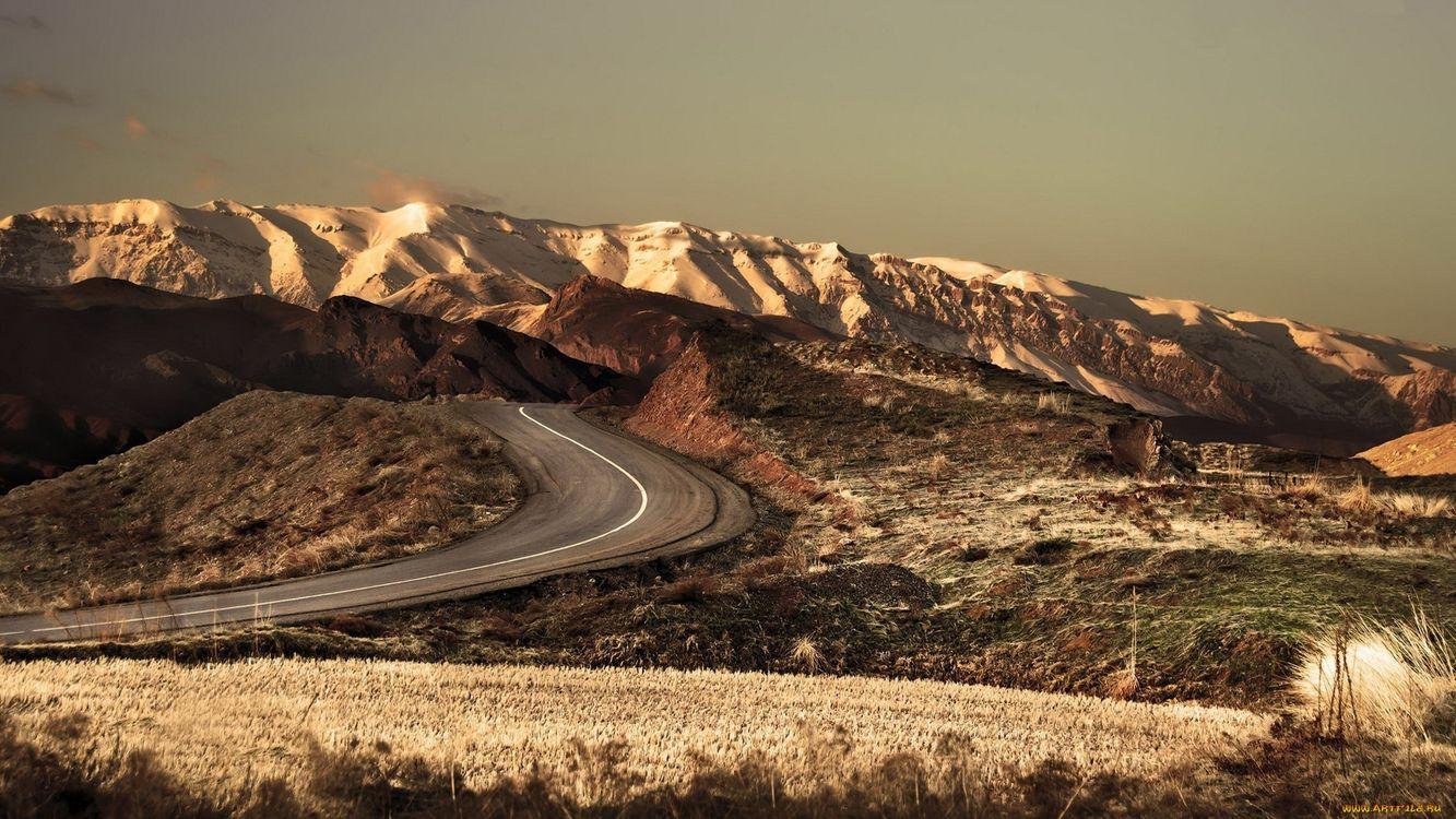 Фото бесплатно горы, скалы, камни, высота, небо, горизонт, дорога, трасса, пейзажи, пейзажи