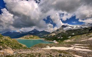 Фото бесплатно облака, тучи, небо, горы, скалы, озеро, море, вода, пруд, камни, мох, природа, пейзажи