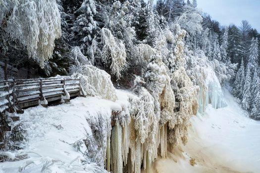 Фото бесплатно winter solstice, upper tahquamenon falls, michigan зима
