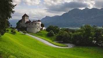 Бесплатные фото замок,камень,дорога,трава,деревья,горы,пейзажи