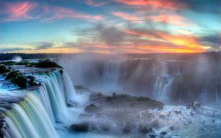 Бесплатные фото водопад,закат,мостик,деревья,кустарники,брызги,пейзажи