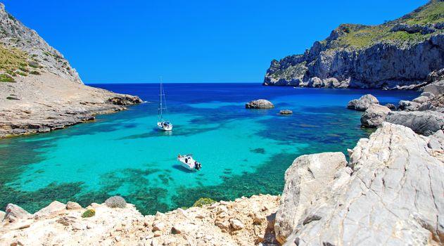 Фото бесплатно море, скалы, лодки