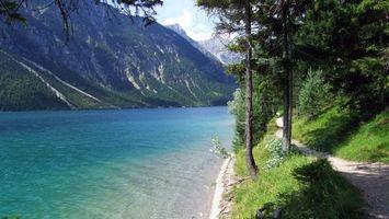 Бесплатные фото река,трава,горы,скалы,деревья,берег,небо