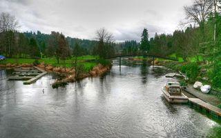 Бесплатные фото река,причал,катер,холм,трава,деревья,вода