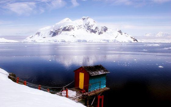 Фото бесплатно север, море, льдины, остров, снег, мостик, строение, пейзажи