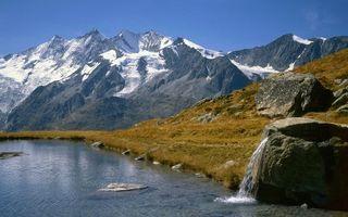 Бесплатные фото горы,река,снег,камни,небо,берег,природа