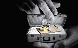 Photo free ring, earth, suitcase