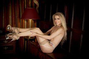 Бесплатные фото michelle moist,блондинка,сексуальная,ню,обнаженная,чулки,garterbelt