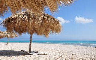Фото бесплатно пляж, берег, шезлонг