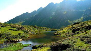 Бесплатные фото река,вода,трава,зеленая,горы,небо,природа