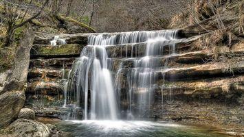 Бесплатные фото река,водопад,камни,мох,осень,кусты,деревья