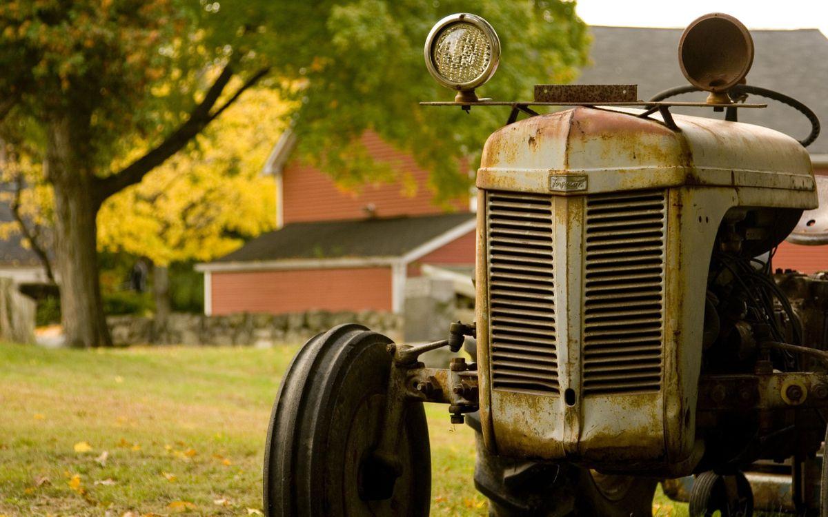 Фото бесплатно трактор, старый, деревня - на рабочий стол