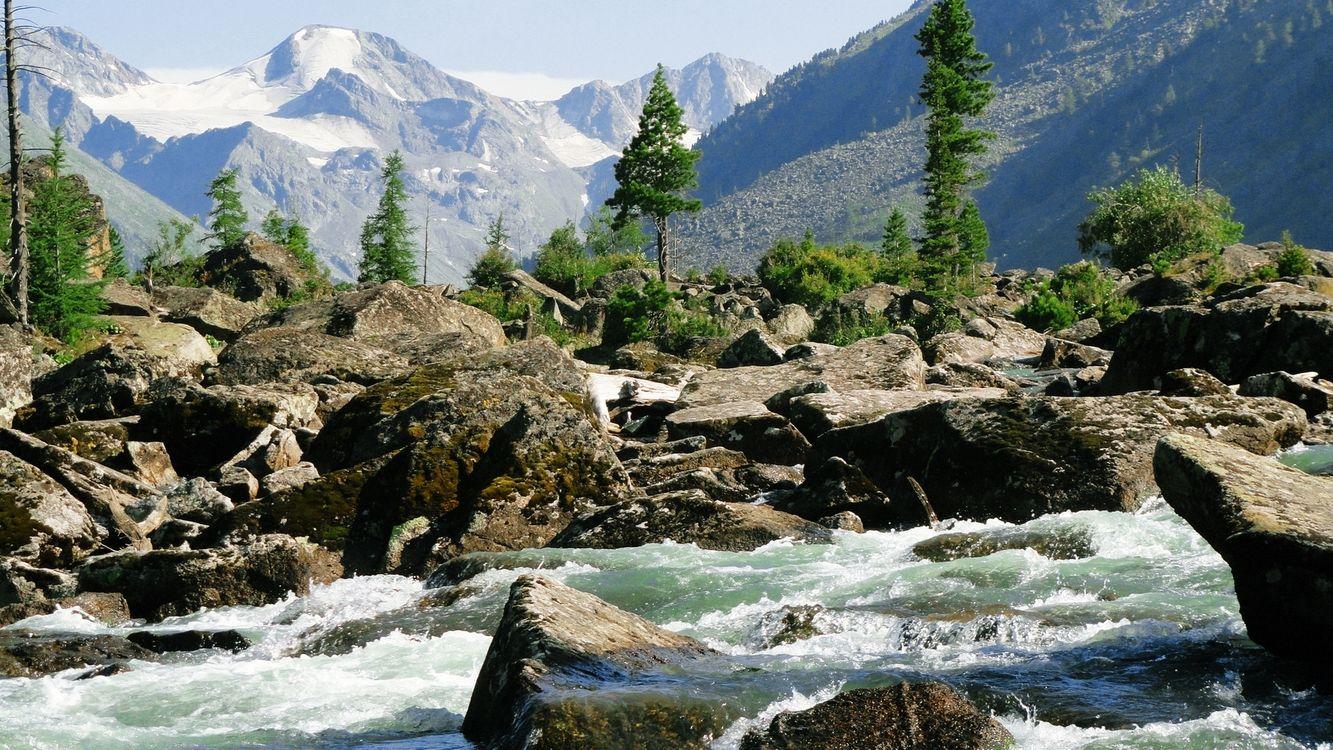 Фото бесплатно камни, вода, река, горная, горы, скалы, холмы, небо, облака, трава, мох, природа, природа