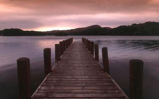 Заставки мост, причал, пристань, море, река, океан, вода, гладь, волны, отражение, закат, лучи, горы, пейзажи