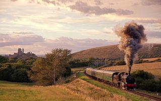 Photo free locomotive, wagons, smoke