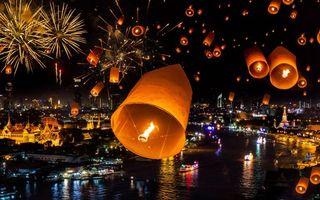Бесплатные фото праздник,салют,фонарики,река,лодки,свет,город