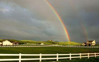 Фото бесплатно радуга, забор, поле