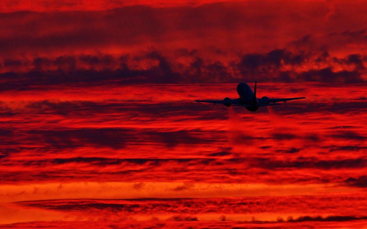 Фото бесплатно самолет, пассажирский, небо, облака, красное, взлет, полет, высота, хвост, кабина, шасси, газ, авиация, природа, природа
