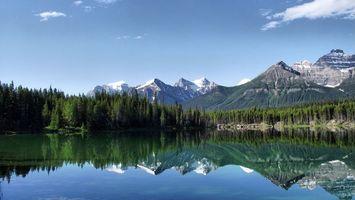 Бесплатные фото вода,лес,деревья,горы,снег,облака,природа