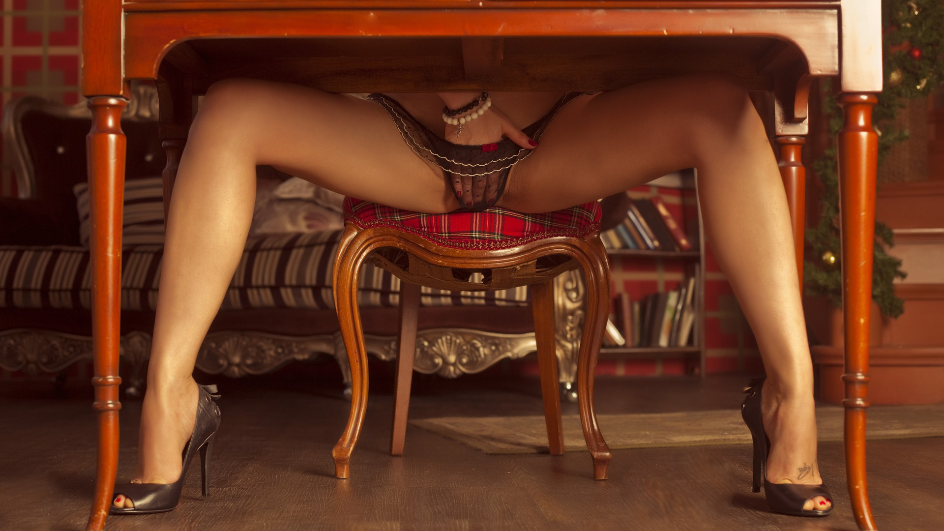 Красивые Порно Под Столом
