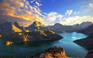 Бесплатные фото горы,скалы,река,небо,облака,закат,солнце