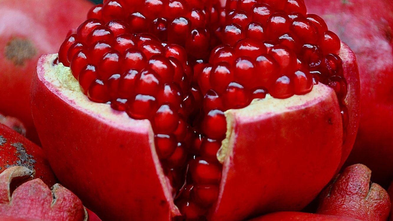 Фото бесплатно гранат, фрукт, семечки, зернышки, сок, косточки, кожа, спелый, красный, ядра, еда, еда