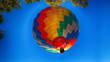 Бесплатные фото небо,голубое,воздушный,шар,корзина,деревья,разное
