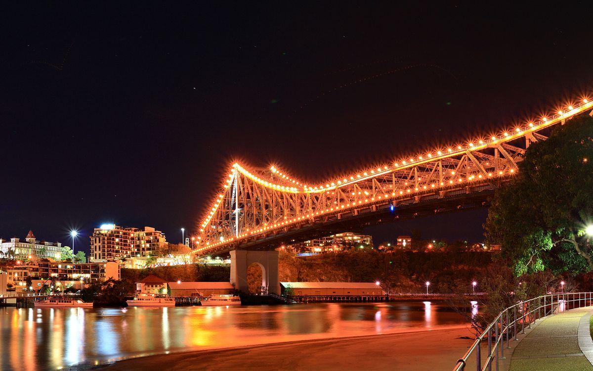 Фото бесплатно ночь, река, мост, подсветка, огни, дома, набережная, город, город