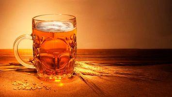 Фото бесплатно стакана, бокал, пиво, солод, стол, пшено, пенка, алкоголь, спиртное, напитки