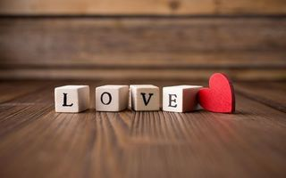Бесплатные фото пол,кубики,буквы,надпись,любовь,сердце