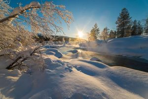 Бесплатные фото зима,закат,снег,сугробы,речка,деревья,пейзаж
