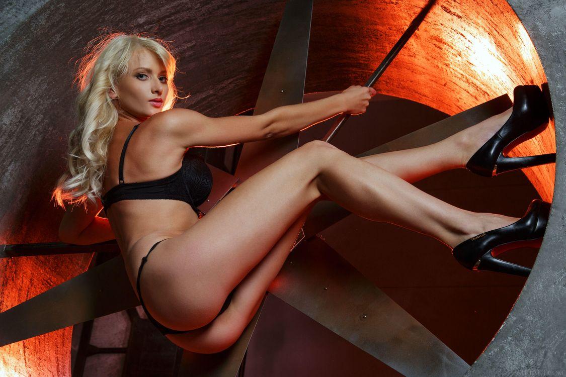 Фото бесплатно Nika N, красотка, позы, поза, сексуальная девушка, девушки - скачать на рабочий стол