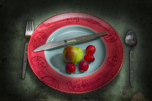 Бесплатные фото натюрморт,тарелка,яблоко,черешня