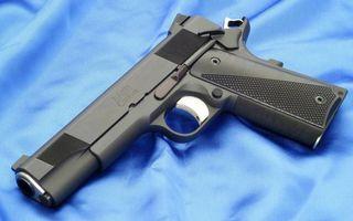 Бесплатные фото пистолет,черный,затвор,курок,рукоять,ствол