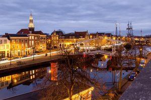 Бесплатные фото Харлем,Нидерланды,город,ночь,огни,иллюминация