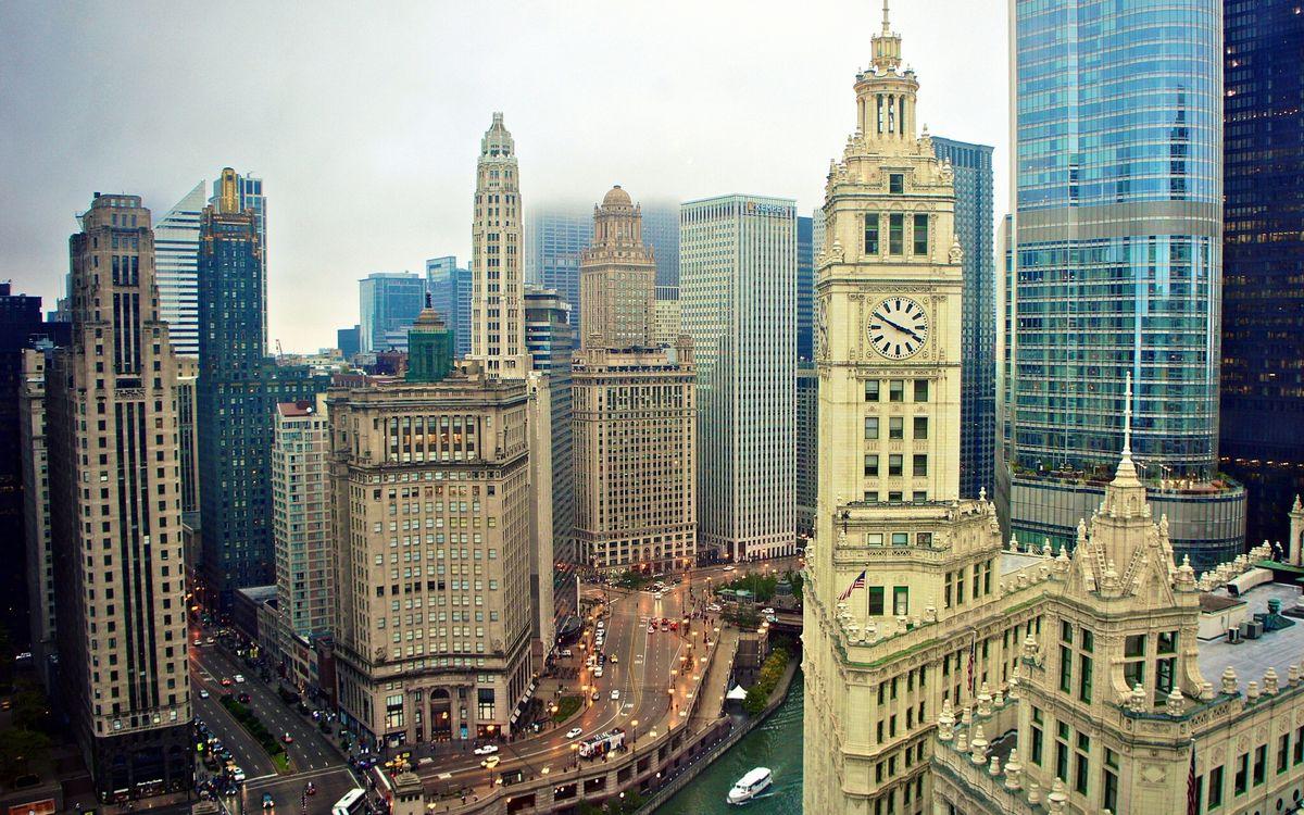 Фото бесплатно дома, небоскребы, здания, башня, часы, улицы, автомобили, люди, река, судно, город