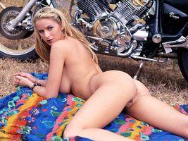 Бесплатные фото Adele Stephens,Riding Hard,байкер