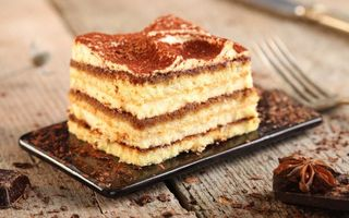Бесплатные фото десерт,пирожное,слои,шоколад,крошка,вилка