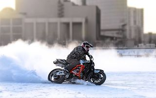 Фото бесплатно мотоциклист, лед, снег