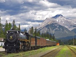 Фото бесплатно паровоз, рельсы, гора