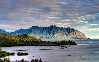 Обои море, горы, небо, берег, яхта, облака, природа