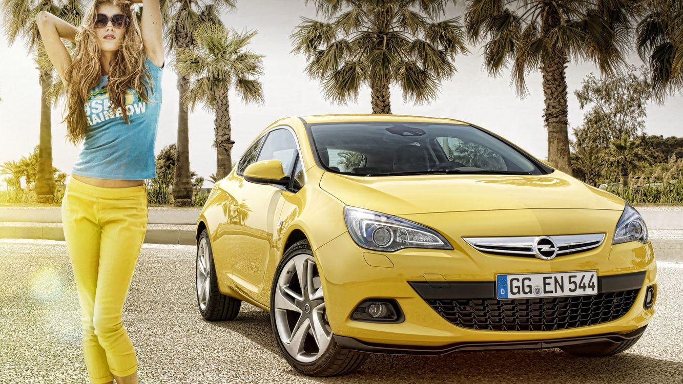 Фото бесплатно опель, желтый, фары, диски, девушка, пальмы, машины, машины