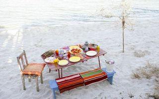Фото бесплатно пикник, стол, скатерть