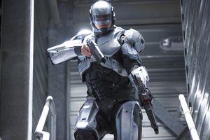 Бесплатные фото робокоп,робот,полицейский,2014,оружие,пистолет,лестница