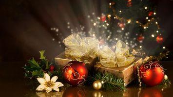 Бесплатные фото подарки,красные,украшения,новогодние,праздник