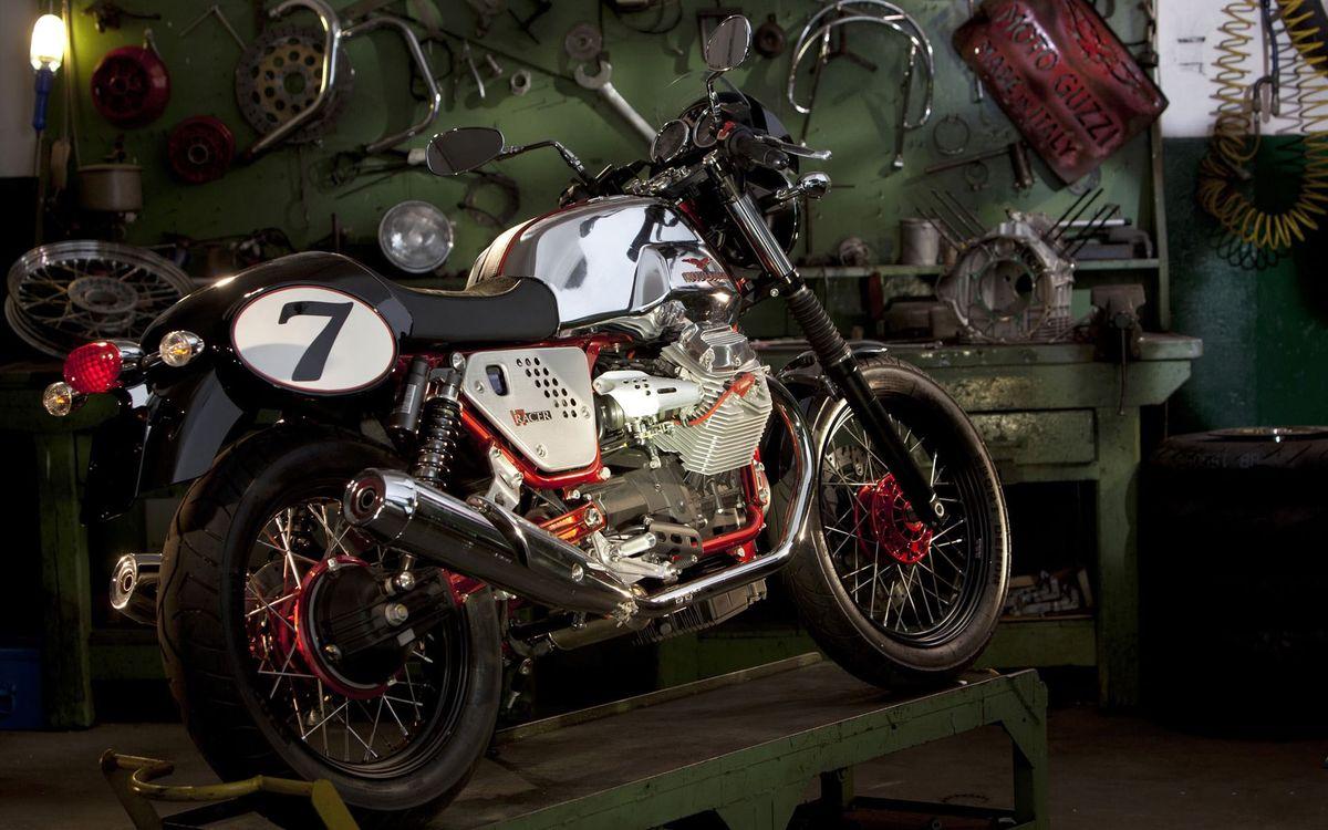 Фото бесплатно двигатель, выхлоп, колеса, спицы, руль, гараж, мотоциклы, мотоциклы